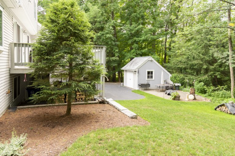 8 Willow Pond Drive Goffstown NH 03045-8