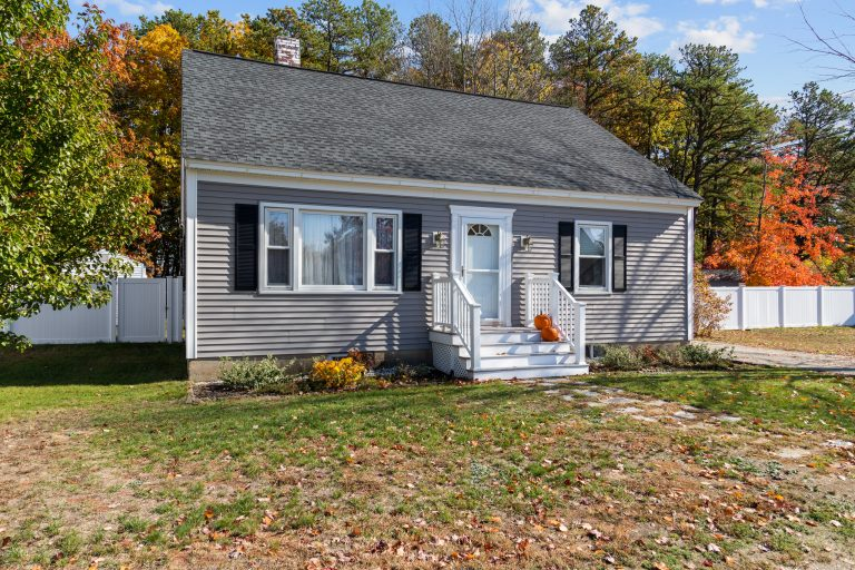 78 Louis St Goffstown NH-2