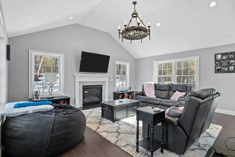 25 Julie Dr Concord NH 03301 (29)