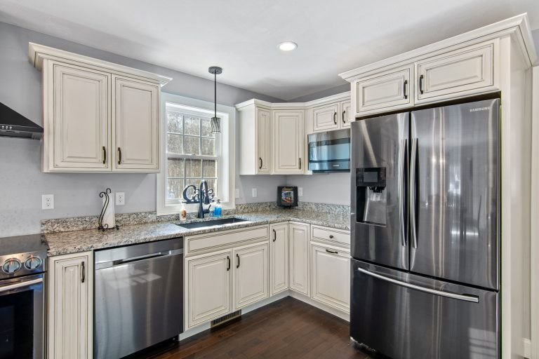 25 Julie Dr Concord NH 03301 (41)