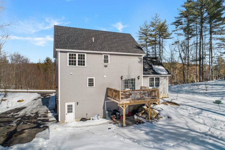 25 Julie Dr Concord NH 03301 (6)